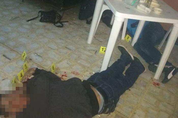 Asesinan a dos hombres en bar