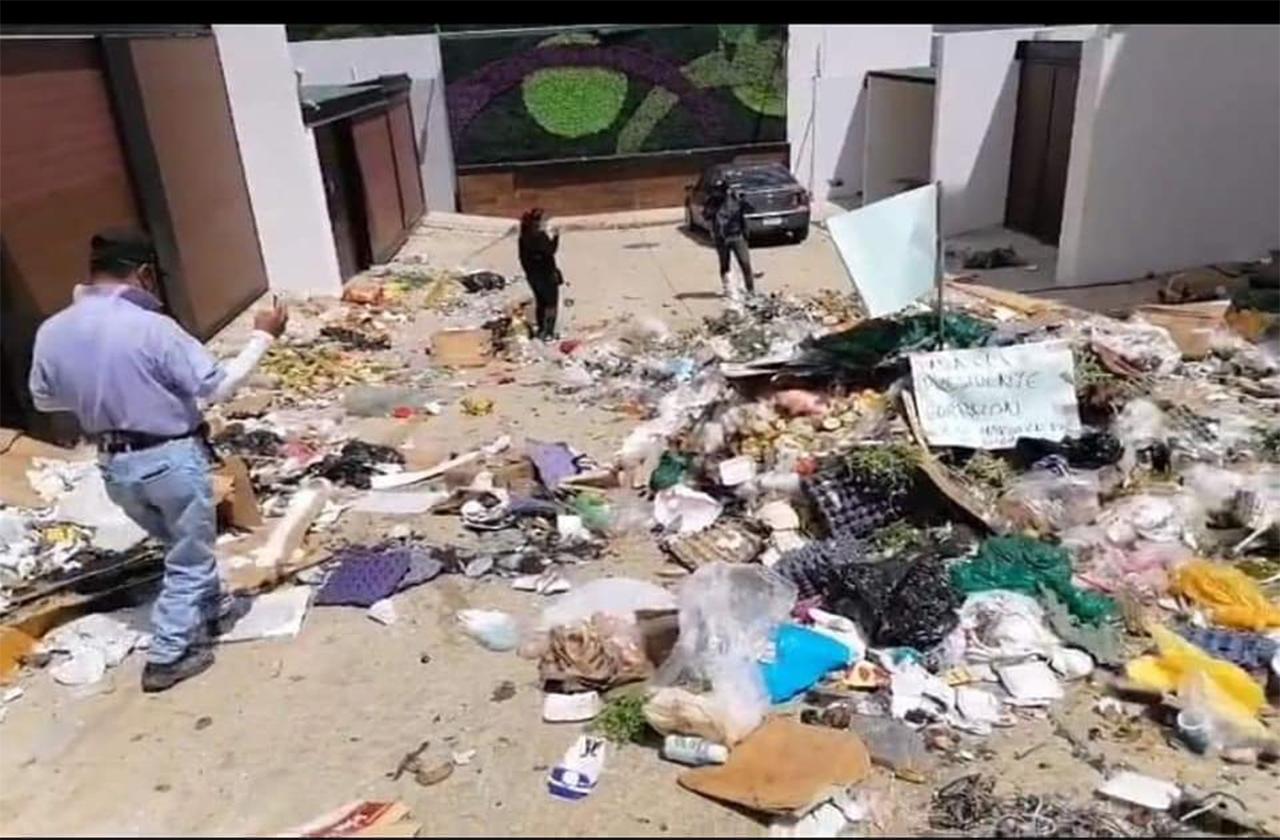 Xiqueños amenazan con tirar basura frente a casa de alcaldesa