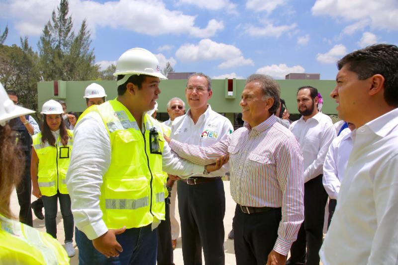 """""""Invertiremos 950 millones de pesos para mejorar la infraestructura educativa del Estado en coordinación con el Gobierno Federal"""": Yunes Linares"""