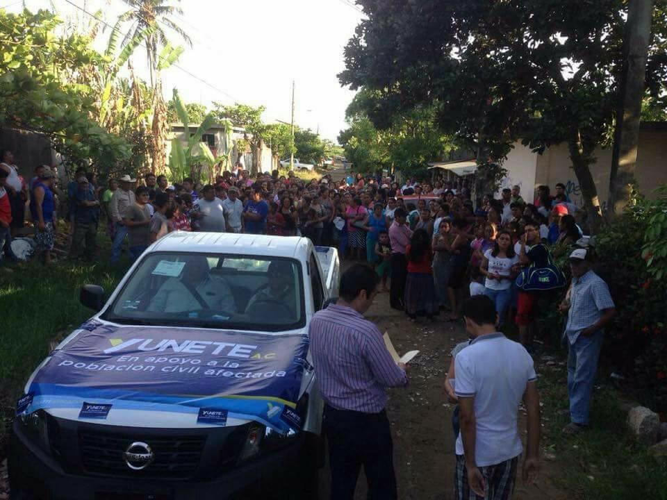 'Katia' se debilita al tocar tierra como huracán 1 en Tecolutla, Veracruz
