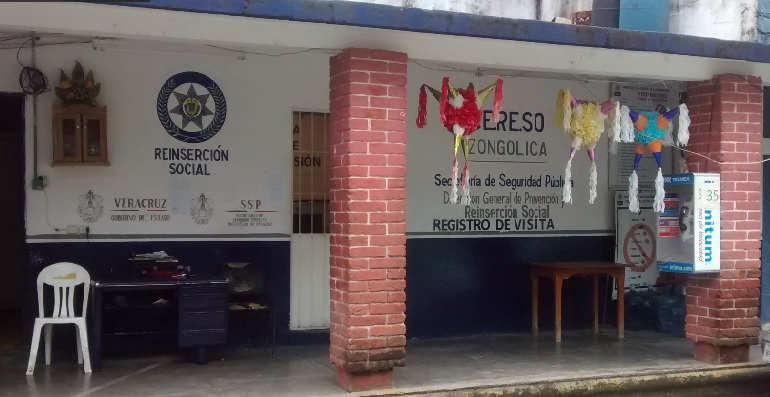En Zongolica no quieren a ex policías de Orizaba, piden su traslado a otro penal
